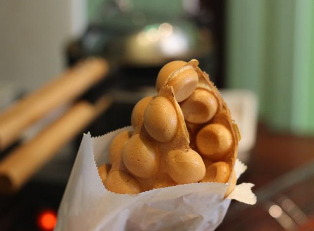 cocotang cafe egg waffle